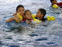 CHILDREN swimming 2