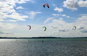 ocean kite surfing