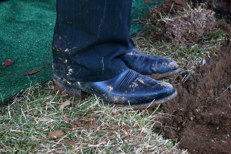 grave boots at edge 2