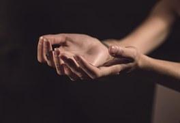 kids-church-2-hands