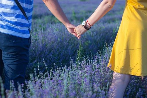 pocket-holding-hands