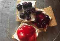 Cream Cheese Fruit Snack with Graham Crackers